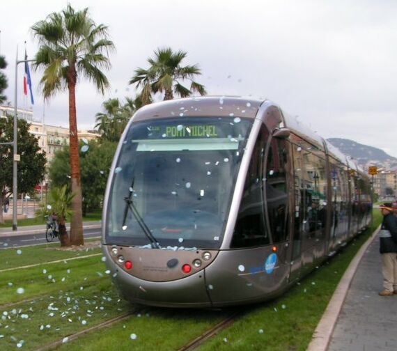 france light rail continues growth with new tramways in marseille le mans nice light rail now. Black Bedroom Furniture Sets. Home Design Ideas